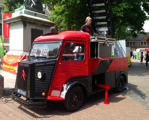mobiele dj booth op het domplein in Utrecht CZ