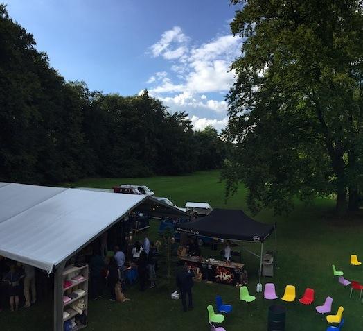 Foodtruck festival als personeelsfeestje of pop-up borrel met dj wagen