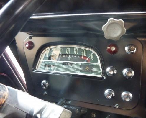 origineel dashboard van Citroën HY 1966